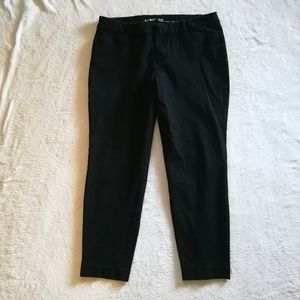Old Navy Pixie Never Fade Ankle Pants